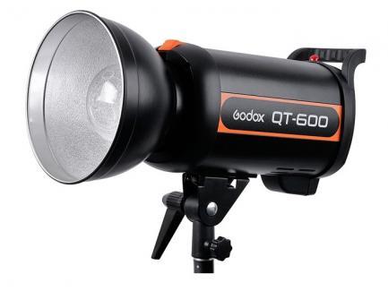 Flash Tocha Estúdio Godox Alta Velocidade Com Refletor 600w 220v Qt-600 *De R$ 4.999,00 Por: