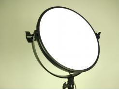 Iluminador Led Circular Para Maquiagem Soft Light 36w 5600k Pad R-S36/60b Greika - DE R$ 1.499,00 POR: